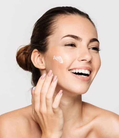 cosmétique-visage-en-marque-blanche