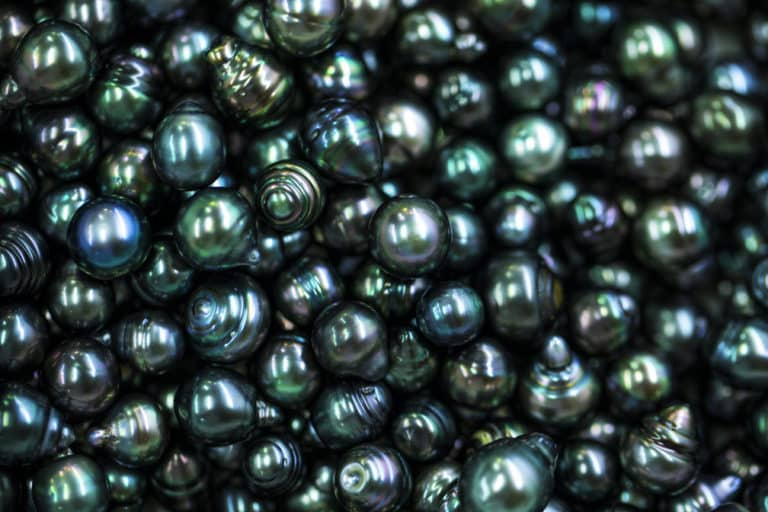 tahitian black pearl used for cosmetics